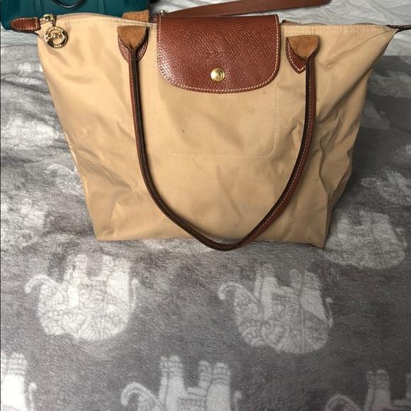 Longchamp Handbags - Longchamp Khaki le pliage medium shoulder tote bag 36a1630d343a9